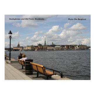 Cartão Postal Stadsgården e cidade velha, estoque…