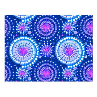 Cartão Postal Starbursts e pinwheels, azuis cobaltos & branco