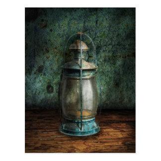Cartão Postal Steampunk - uma lanterna velha