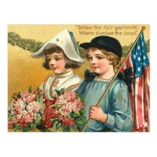 Cartão Postal Strew as festões justas