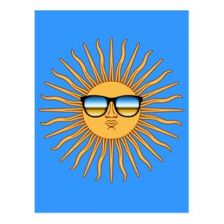 Cartão Postal Sun nas máscaras