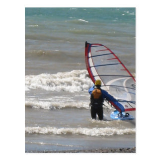 Cartão Postal surfar do água-vento