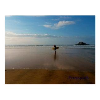 Cartão Postal Surfista na praia Cornualha Inglaterra de