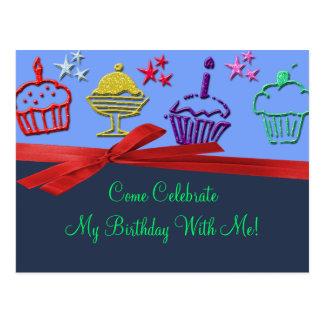 Cartão Postal Surpresa do deleite do cupcake do aniversário