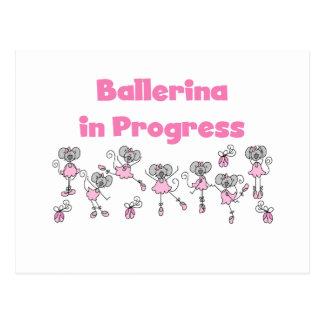 Cartão Postal T-shirt e presentes em andamento da bailarina