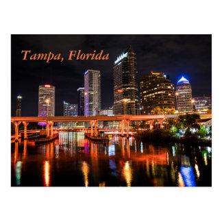 Cartão Postal Tampa, Florida, cidade ilumina a skyline em a