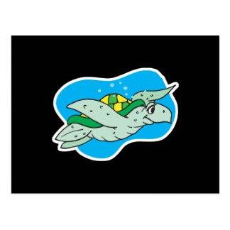 Cartão Postal tartaruga de mar feliz da natação