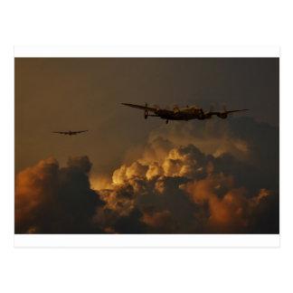 Cartão Postal TEMPESTADE do bombardeiro de Lancaster