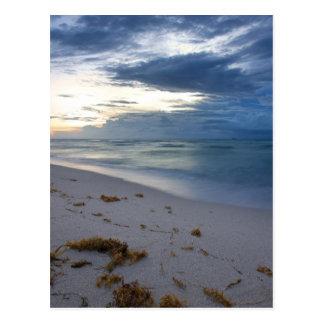 Cartão Postal Tempestade que aproxima Miami Beach