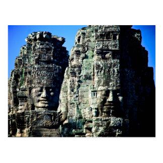 Cartão Postal Templo de Bayon em Angkor Cambodia duas caras