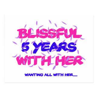 Cartão Postal Tendendo o 5o design do aniversário do casamento