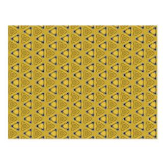 Cartão Postal Teste padrão triangular amarelo