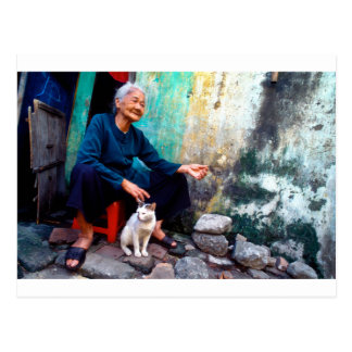 Cartão Postal The Woman and Cat the