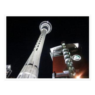 Cartão Postal torre auckland da cidade do céu