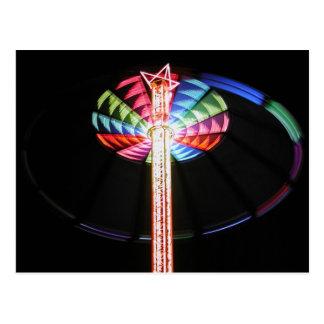 Cartão Postal Torre-chairoplane em a noite