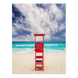 Cartão Postal Torre do Lifeguard na praia   Cancun, México