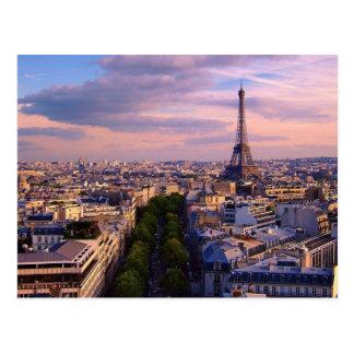Cartão Postal Torre Eiffel e Cloudscape roxo