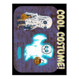 Cartão Postal Traje do fantasma e do esqueleto