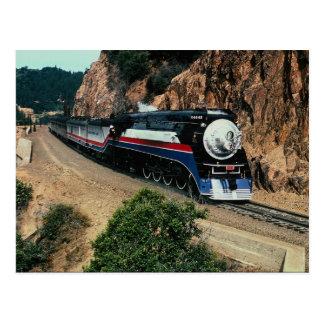 Cartão Postal Trem americano 4449 no chifre do cabo, Californ da