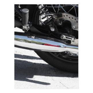 Cartão Postal Tubulação de exaustão cromada motocicleta. Vista