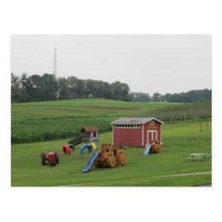 Cartão Postal Um campo de jogos da fazenda