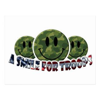 Cartão Postal Um sorriso para tropas