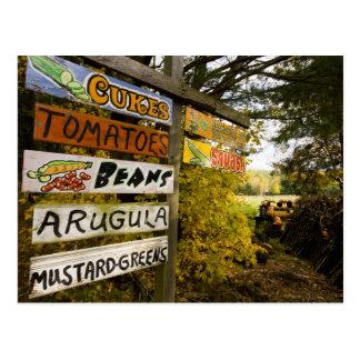 Cartão Postal Um suporte da fazenda em Holderness, New
