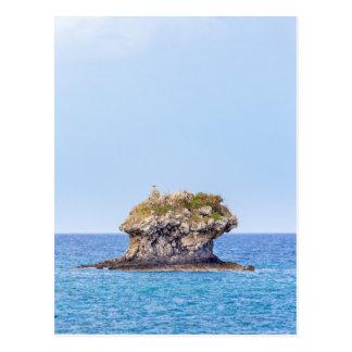 Cartão Postal Uma ascensão proeminente da rocha do nível do mar