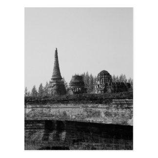 Cartão Postal Uma imagem preto e branco de um templo velho