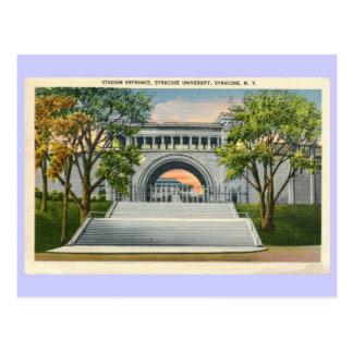 Cartão Postal Universidade de Siracusa da entrada do estádio do