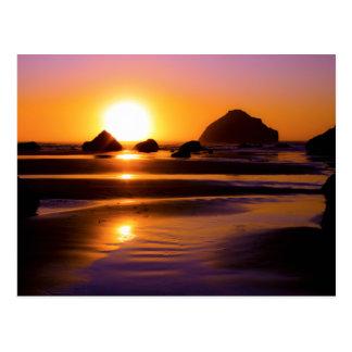 Cartão Postal Utopia - rocha da cara, Bandon, Oregon