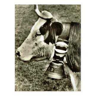 Cartão Postal Vaca da suiça do vintage e sino da vaca