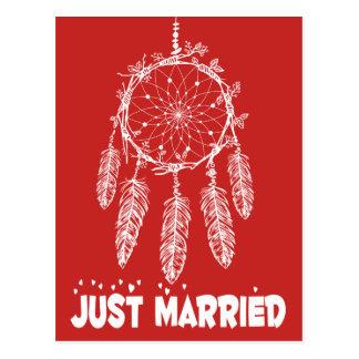 Cartão Postal Vermelho do coletor do sonho do recem casados do