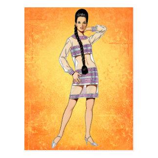 Cartão Postal Vestido transparente dos anos sessenta