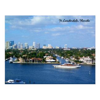 Cartão Postal Via navegável intracostal & skyline do Ft