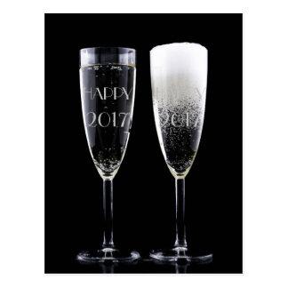 Cartão Postal Vidros de flauta brancos pretos de Champagne do