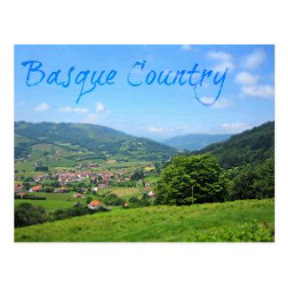 Cartão Postal Vila bonita de Spansh no campo Basque
