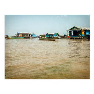 Cartão Postal Vila, casas & barcos de flutuação, Cambodia
