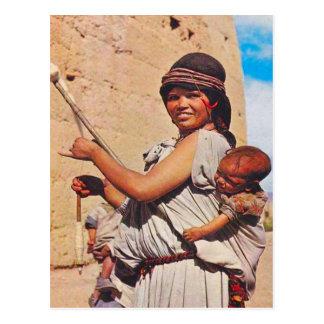 Cartão Postal Vintage, Dades, mãe e crianças no trabalho