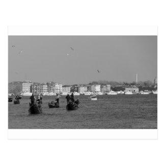 Cartão Postal Vista através do canal grande em Veneza