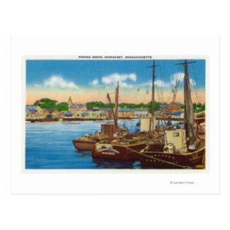 Cartão Postal Vista de barcos de pesca no porto