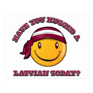 Cartão Postal Você abraçou um Latvian hoje?