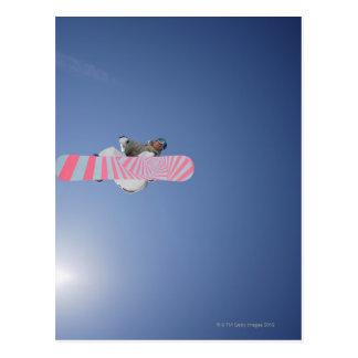 Cartão Postal Vôo do Snowboarder através do ar