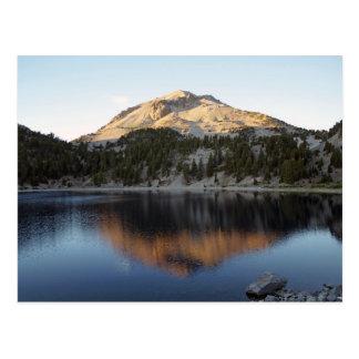 Cartão Postal Vulcão de Lassen e lago Helen
