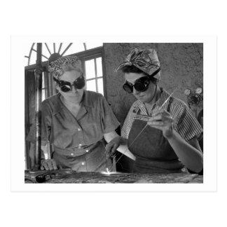 Cartão Postal WW2 mulheres Soldador, 1942