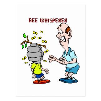 Cartão Postal Zangão do Whisperer da abelha dos amantes das