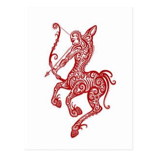 Cartão Postal Zodíaco vermelho intrincado do Sagitário no branco