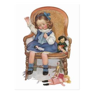 Cartão Postal Zorras Sewing da menina