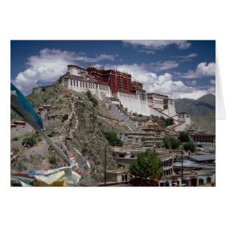 Cartão Potala com bandeiras da oração, Tibet, China