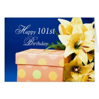 Cartão Presente e lírios de aniversário das pessoas de